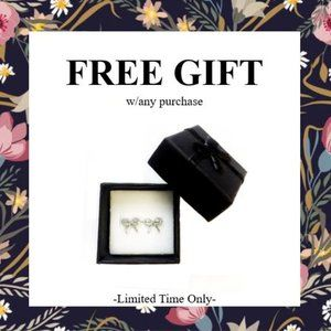 ❤️ FREE gift w/ any purchase! ❤️